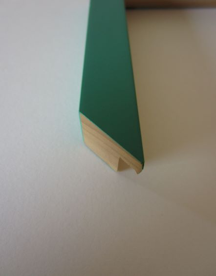 coloured-wood-green-cube-picture-frame