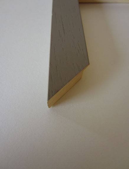 coloured-wood-picture-frame-econ-56-taupe