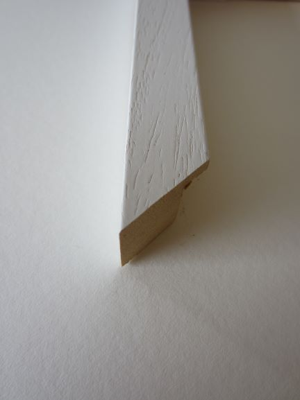 white-wood-picture-frame-4530